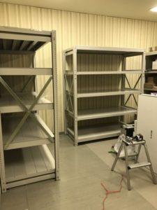 業務用スチールラック 重量ボルト式棚を現地組立させていただきました@千代田区