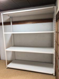 業務用スチールラック 軽量セミボルトレス棚を個人様宅で現地組立させていただきました
