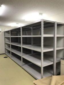 業務用スチールラック 中重量ボルトレス棚を現地組立させていただきました