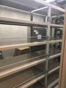 業務用スチールラック 中量棚(金網付)を現地組立させていただきました@東京都新宿区